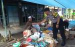 Personel Polsek Kapuas Barat Rutin Sambangi Warga untuk Cegah Gangguan Kamtibmas