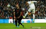 Casemiro Antar Real Madrid Atasi Sevilla dan Naik ke Puncak Klasemen