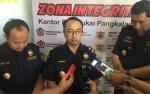 Setijab Kepala Kantor Bea Cukai Pangkalan Bun Dirangkai Pencanangan Zona Integritas