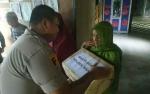 Polsek Hanau Bagikan Sembako untuk Lansia