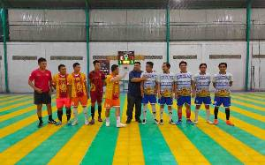 Laga Futsal Persahabatan Polres Kotim dan PWI Berlangsung Sengit