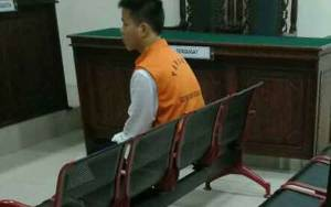 Penggelap Uang Toko Ponsel dan Pemberi Keterangan Palsu Terancam 1,5 Tahun Penjara