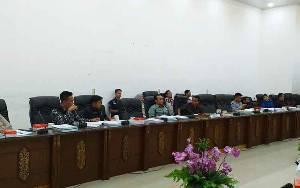 DPRD dan Pemda Kabupaten Barito Utara Bahas Raperda