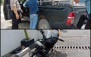 Akibat Melaju dengan Kecepatan Tingi, Pengendara Motor Tabrak Mobil Hilux Hingga Terkapar