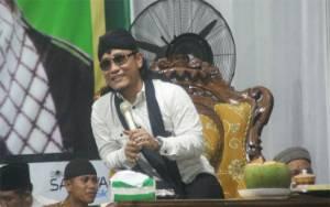 Gus Miftah Ajak Masyarakat Lamandau Rawat Persatuan dengan Rasa Cinta