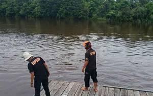 BPBD Palangka Raya Kontrol Debit Air Sungai di Kelurahan Petuk Katimpun Pasca Hujan Lebat