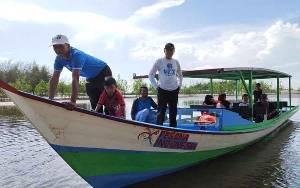 Disbudpar Kalteng Bantu Perahu Wisata di Sungai Bakau