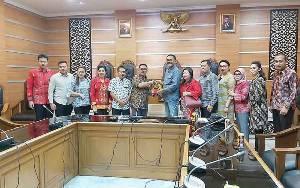 Anggota DPRD Palangka Raya Nilai Pedagang Kaki Lima Perlu Diberdayakan