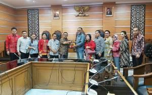 DPRD Palangka Raya Belajar dari Kota Surabaya, PKL Diberdayakan dan Dibina