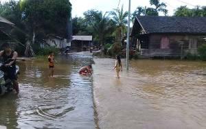 Banjir Terjadi di Desa Tumbang Koling Kecamatan Cempaga Hulu