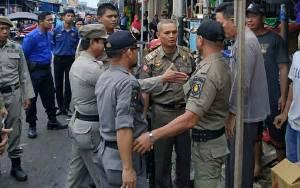 Satpol PP Kapuas Lakukan Penertiban Pedagang di Kawasan Pasar