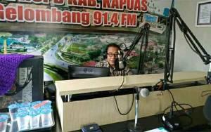 Dukcapil Kapuas Sampaikan Program dan Inovasi Lewat Radio