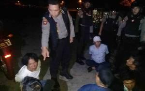 Personel Sabhara Polda Kalteng Gerebek Judi Dadu Gurak, 6 Orang Diamankan