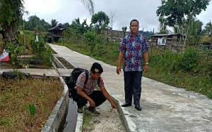 Anggota Polsek Kapuas Tengah Sambangi Desa Buhut Jaya, Ini yang Dilakukan
