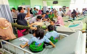 Murid dan Guru SDN 5 Baamang Hilir Keracunan Massal