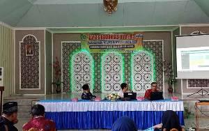 Kemenag Kapuas Rapat Validasi Data EMIS Madrasah