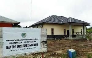 Pemdes Beringin Raya Bangun Kantor Desa Menggunakan DD
