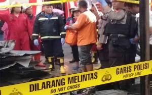 Toko Sembako Jalan RTA Milono Km 8,5 Terbakar
