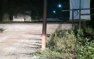 Warga Dusun Bengkirai Sampit Minta PLN Geser Tiang Listrik di Badan Jalan