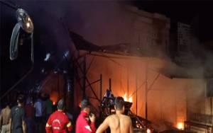 Dua Rumah dan Bengkel Deco di Barsel Ludes Terbakar