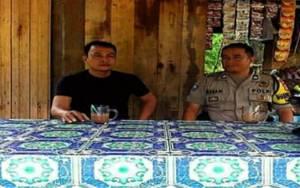 Anggota Polsek Kapuas Barat Sambangi Warga Jalin Komunikasi Cegah Gangguan Kamtibmas