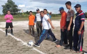 Turnamen Sepakbola Lurah Padang Cup I Tingkatkan Rasa Kekeluargaan