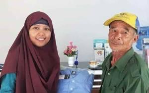 BPS Murung Raya Apresiasi Kedatangan Kakek Mardani untuk Isi Data Sensus Penduduk Secara Online