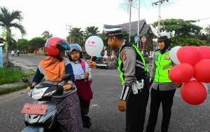 Satlantas Polres Seruyan Apresiasi Penggunaan Helm pada Anak