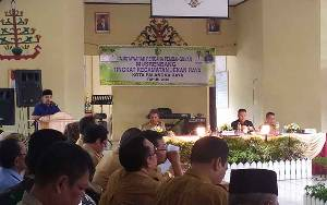 Wali Kota Palangka Raya Sampaikan Prioritas Pembangunan Saat Musrenbang Kecamatan Jekan Raya