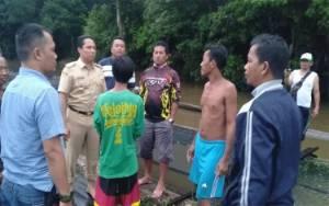 Dapat Informasi Orang Tenggelam di Sungai Lamandau, Bupati Langsung ke Lokasi