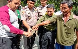 Anak Buaya Tangkapan Warga Pulang Pisau Diserahkan ke BKSDA Kalimantan Tengah