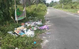 Sampah Dibuang Sembarangan Jalan Sisingamangaraja Palangka Raya