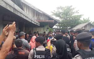Ratusan Personil Polres Kobar Amankan Jalannya Eksekusi Lahan di Kelurahan Baru