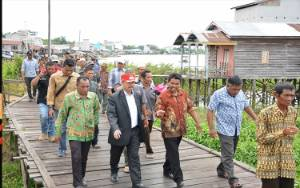 Bupati Seruyan: Pekerjaan Desa Jangan Diserahkan Pihak Ketiga