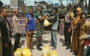 Sejumlah Pihak Beri Bantuan Korban Kebakaran di Mendawai