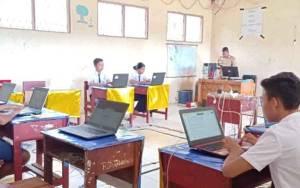 SMP Negeri Satu Atap Manuhing Gelar Simulasi UNBK untuk Matangkan Persiapan