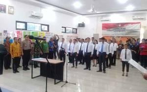 KPU Palangka Raya Lantik 15 Pegawai Sekretariat PPK