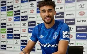 Calvert-Lewin Teken Kontrak Baru Bersama Everton