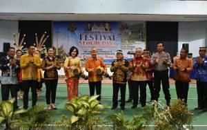 Bupati Kapuas Minta Pemerintah Kecamatan Kembangkan Kesenian Daerah