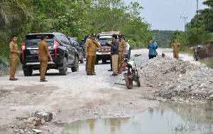 Pemkab Kobar Akan Selesaikan Pembangunan Jalan Penghubung 2 Kecamatan