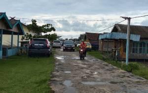Warga Desa Sungai Baru Harapkan Pemkab Sukamara Perbaiki Jalan