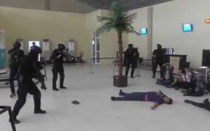 Kopassus Lakukan Latihan Operasi Penanggulangan Teror di Bandara H Asan Sampit