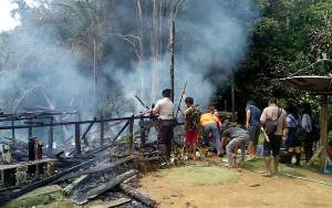 Pemilik Pergi ke Ladang Rumah Ludes Terbakar