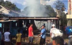 Korban Kebakaran di Desa Sembuluh I Terima Bantuan dari Pemerintah