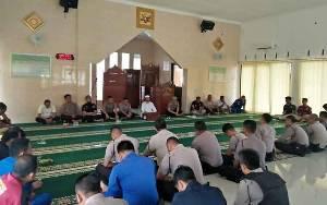 Polres Seruyan Gelar Pembinaan Rohani Bagi Personel