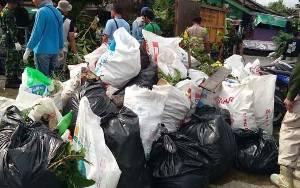 Warga Palangka Raya Diminta Jangan Buang Sampah ke Sungai