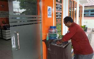 DPMPTSP Seruyan Wajibkan Seluruh Pegawai dan Masyarakat Cuci Tangan