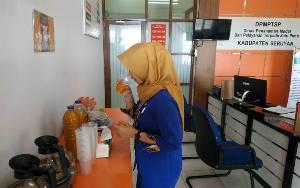 Pegawai DPMPTSP Seruyan Wajib Minum Jamu Sebelum Beraktivitas