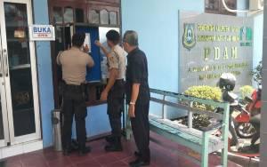 Satuan Sabhara Polres Kapuas Patroli Objek Vital Sekaligus Sebarkan Maklumat Terkait Covid-19