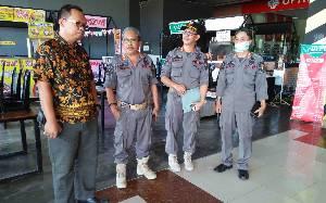 Satpol PP Kapuas Sosialisasikan Pencegahan Virus Corona di Kawasan Perbelanjaan